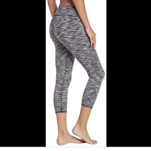 S FABLETICS Off Air TV Scramble Cropped Leggings